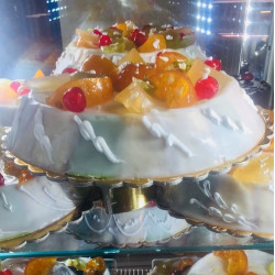 Best price of the Sicilian Traditional Cassata of 1.5 kg Typical Sicilian dessert with sheep ricotta and chocolate drops