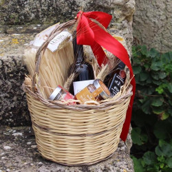 Handmade Wicker Basket to be filled with Sicilian products