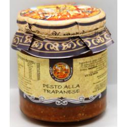 Pesto alla Trapanese con Pomodori, mandorle, aglio,...