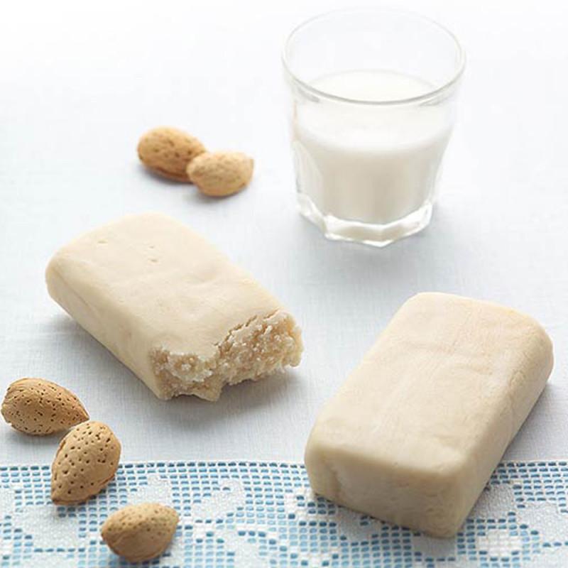 Panetto di Mandorla per preparare il latte di mandorla