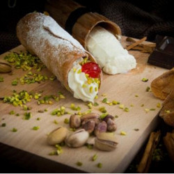 Confezione da 12 Cannoli Siciliani con Ricotta, senza glutine e...