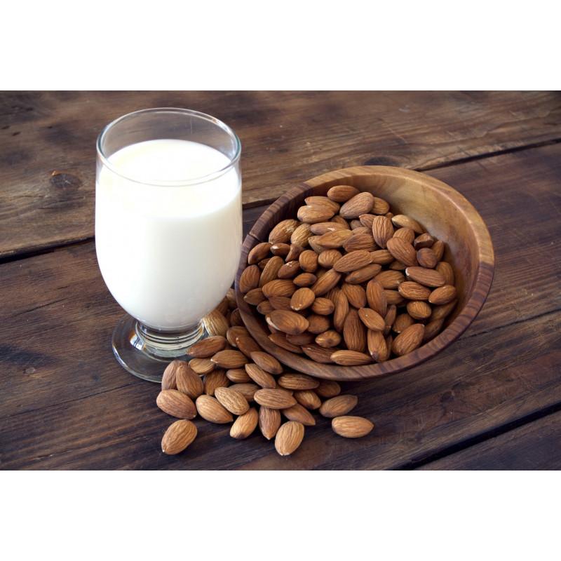 panetto di mandorla per preparare il latte di mandorla di sicilia
